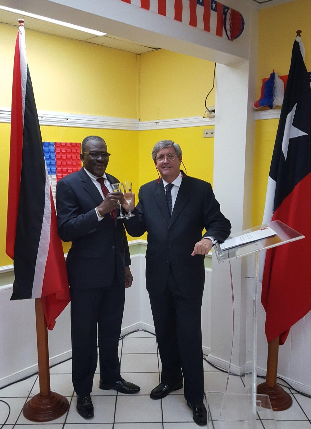 Major General (Ret'd) The Honourable Edmund Dillon toast with His Excellency Fernando Schmidt, Ambassador of the Republic of Chile