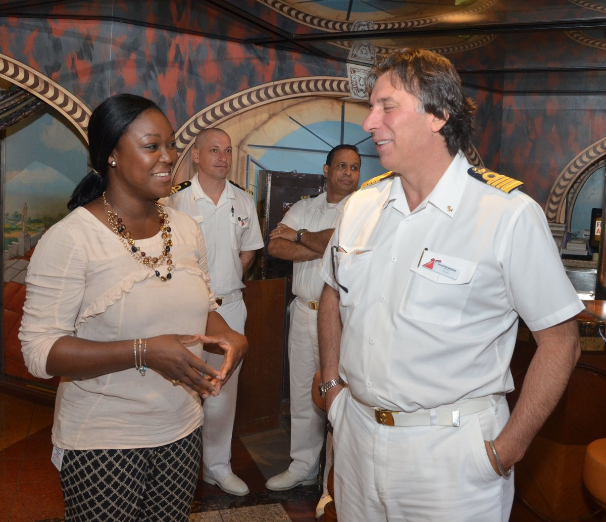 SEC TRACY DAVIDSON-CELESTINE SHARED A MOMENT WITH CAPT SALVATORE MESSINA DSC_0463.jpg